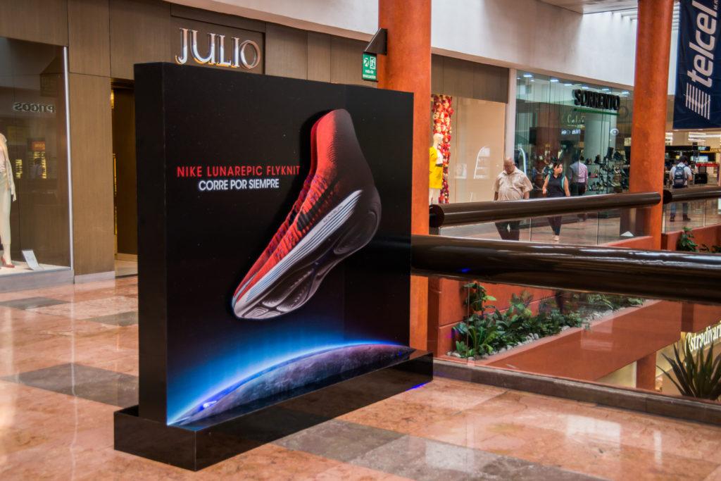 pantallas en centros comerciales