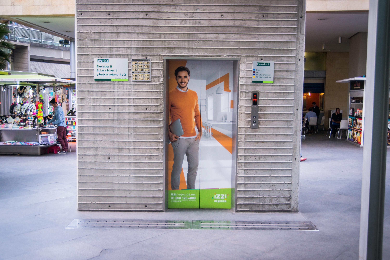 Publicidad en elevador Parque Polanco